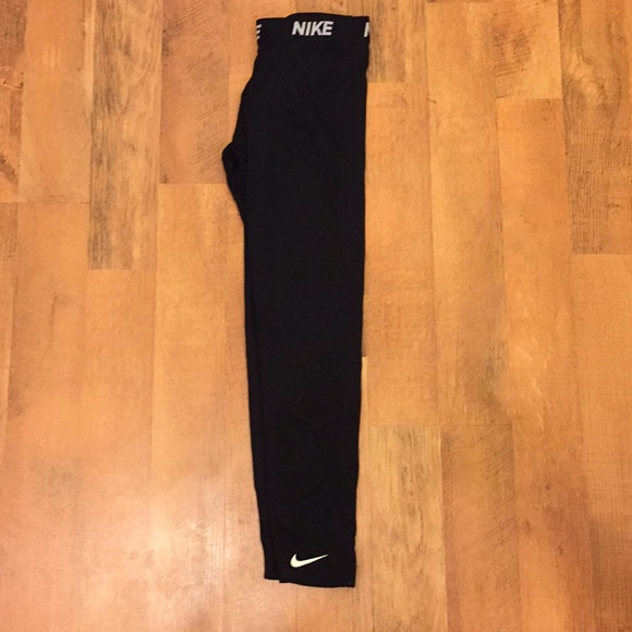 e168b63845f12 Girls Nike Running Leggings - Size XL. M_5b2e8857194dadb03a9da828